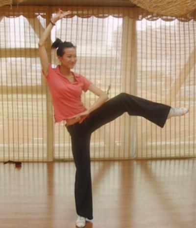 一是人体_星之健身-个人解决方案-民族舞